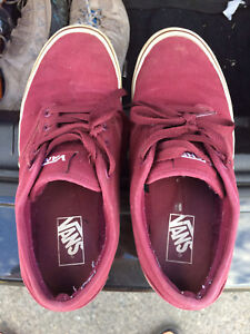 Preowned Red Vans men Size 8