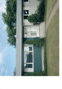 WholeHSE-3bdm up;1SUITE down;GARAGE avail;Manning $1699