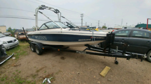 2001 calabria boat v8 with cover and trailer