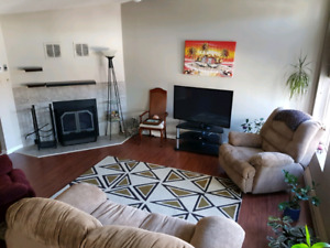 Renovated and bright 1 bdrm condo with heated pool