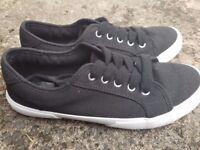 Black & White Comfy Pumps Shoes Size UK 5