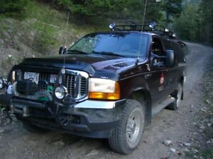 2000 Ford Excursion XLT SUV, Crossover