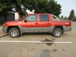 02 Avalanche - Z71 Loaded - Very Nice Truck - Well Kept