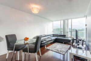 Bright & Spacious Upgraded Condo With 2 Bed & 2 FULL Bath!