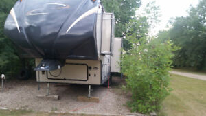 2014 Chaparral lite Coachmen Fifth Wheel