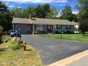 3 bedroom Bungalow Priced to Sell!