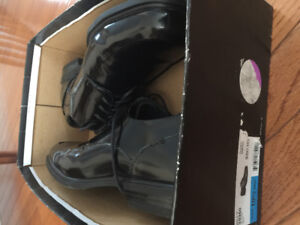 BRAND NEW Men's dress shoes