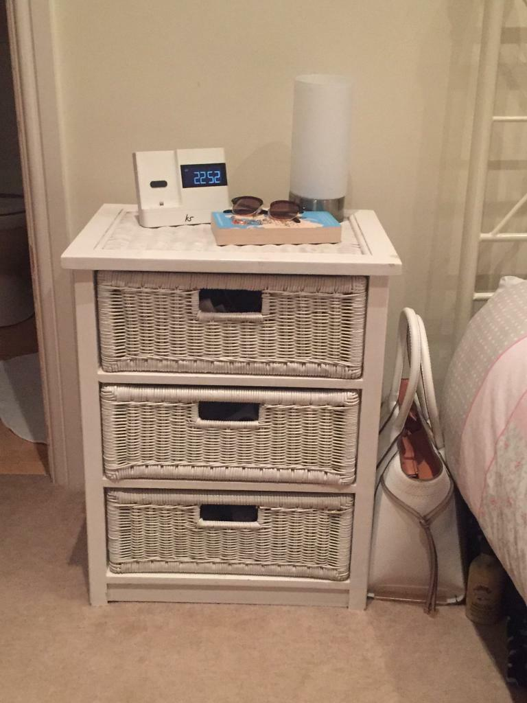 Dresser and 3 Drawer Bedsidein Tunbridge Wells, KentGumtree - Dresser has 4 drawers and a mirror. One handle on the dresser is broke, can still be used. 3 drawer bedside table