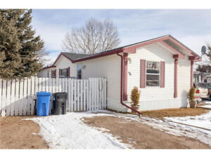 Former Showhome! Immediate Possession Available!