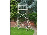 DIY ALLOY SCAFFOLD TOWER WITH TIMBER PLATFORM AND BRAKED CASTOR WHEELS