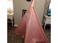 **PLAY TEEPEE** Like New Cost £180
