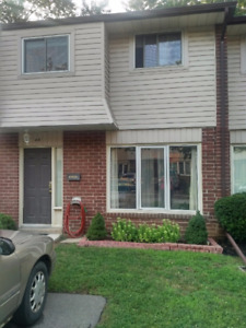 CONDO TOWNHOUSE 3 BED 1 BATH