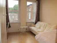 Short Term / West Kensington / Barons Crt / A very large and spacious 3 bedroom apartment