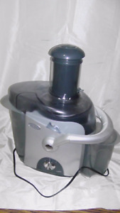 (PRICE DROP) Oster Wide Mouth Juice Extractor