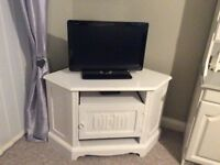 Shabby chic TV unit painted with farrow and ball chalk paint