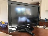 """in black lg 32"""" LCD TV for sale ee view"""