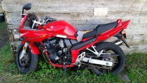 SUZUKI Bandit Sport Bike