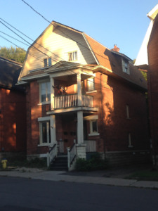 5 minute walk from the canal, Lansdowne Park and Carleton U