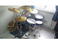 Pearl Fusion Drum Kit - mint condition