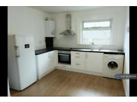 3 bedroom flat in Headley Road, Grayshott , GU26 (3 bed)