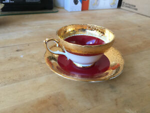 Tea Cup & Saucer Red Crackle Sutherland China