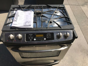 PRICE REDUCED ! Stainless Steel GE Profile Gas Range