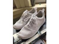 Nike Roshe triple-white size 10