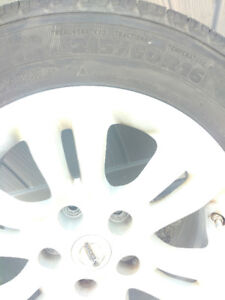 4 Nearly New Michelin Defender Tires on Rims W/ tire sensors x 4