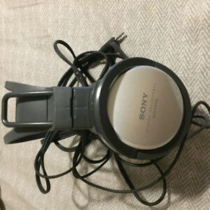 Sony MDR-X-100 head phones with a 8 foot headphone cord