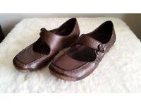 Clarks Air Walk - Brown - Size 5