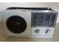 Fabulous retro Roberts RP20 Preset Radio in great condition.