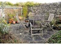 Round Garden Table and four Chairs (reclining)