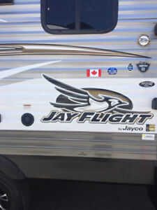 32' Jayco JayFeather Travel Trailer for Rent