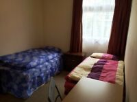 Nice room to share with a MAN in Mile end, all bills included, free wifi,ID:492