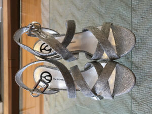 Authentic Never Been Worn Wishbone collection Women's Shoes