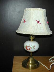 VERY CUTE ANTIQUE BEDSIDE LAMP