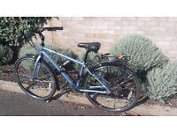 Dawes Mojave Hybrid Bike in VERY GOOD CONDITION with U-lock.