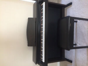 HP 1800 Roland Digital Piano and Bench Seat