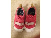 Toddler girl's (Clarks) Doodles canvas shoes size 22.5M / 6F