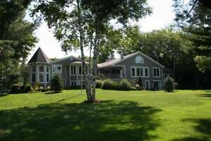 560 Chester Grant Located on the pristine waters of Millet Lake