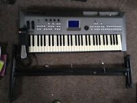 Yamaha MM6 keyboard/synthesiser with stand