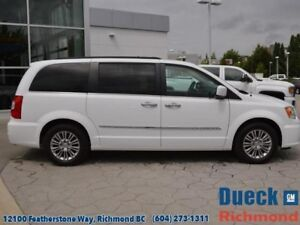 2016 Chrysler Town & Country UNKNOWN