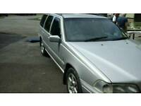 Volvo v70 breaking