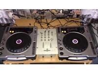 Pioneer cdj 800's torque speakers NO MIXER!
