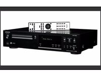 Onkyo C-N7050 Silver Hi-Fi CD Player with Network Features. Pristine condition.