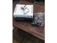 2 Xbox 360 hdmi for repair. Free controller and cables!