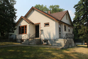 3 bedroom house on SE Hill with Legal 2 bdr suite