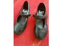 Black girls tap shoes size 11 .