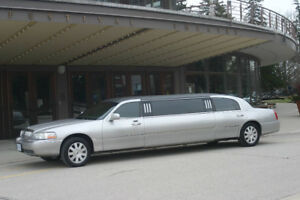 2004 Lincoln Town Car Limo