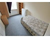 Lovely single room available in large Kensal Rise